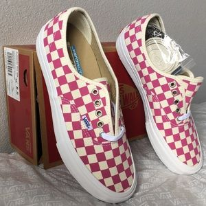 vans authentic pro(checkerboard)fuchsia lady10.5
